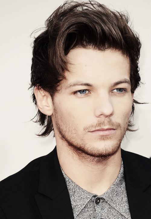 Tumblr Mx1x6sqtq31rmcnl8o1 500 Png 500 725 One Direction Louis Tomlinson One Direction Louis Louis Tomlinsom