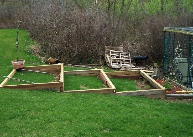Garden on a Slope Backyard Tiered Vegetable Garden Haunted Swamp Desig backyardVegetable Garden on a Slope Backyard Tiered Vegetable Garden Haunted Swamp Desig backyard A...