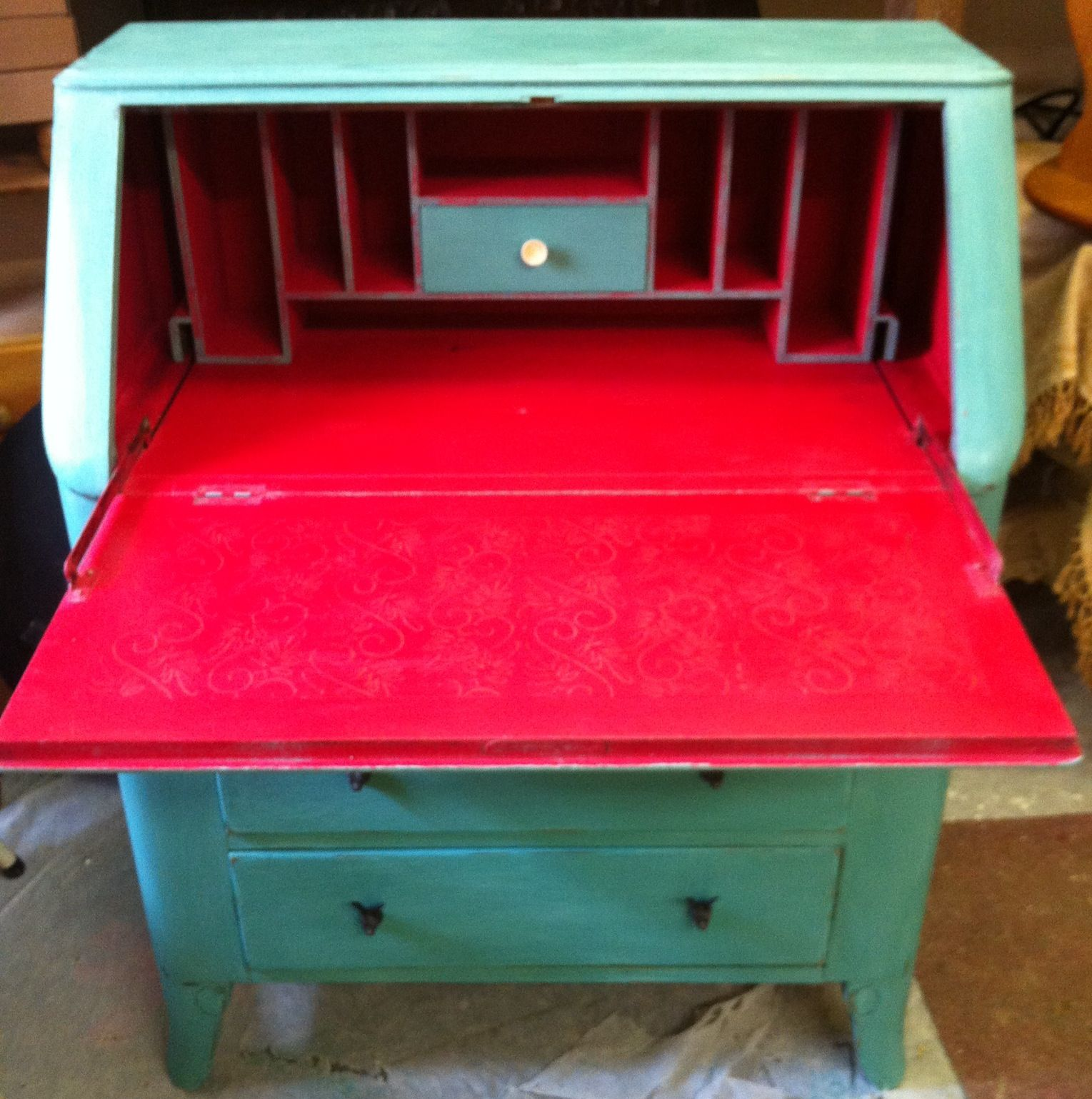 Here S The Interior Of The Provence Bureau Painted In Emperors  # Muebles Jenny Montano