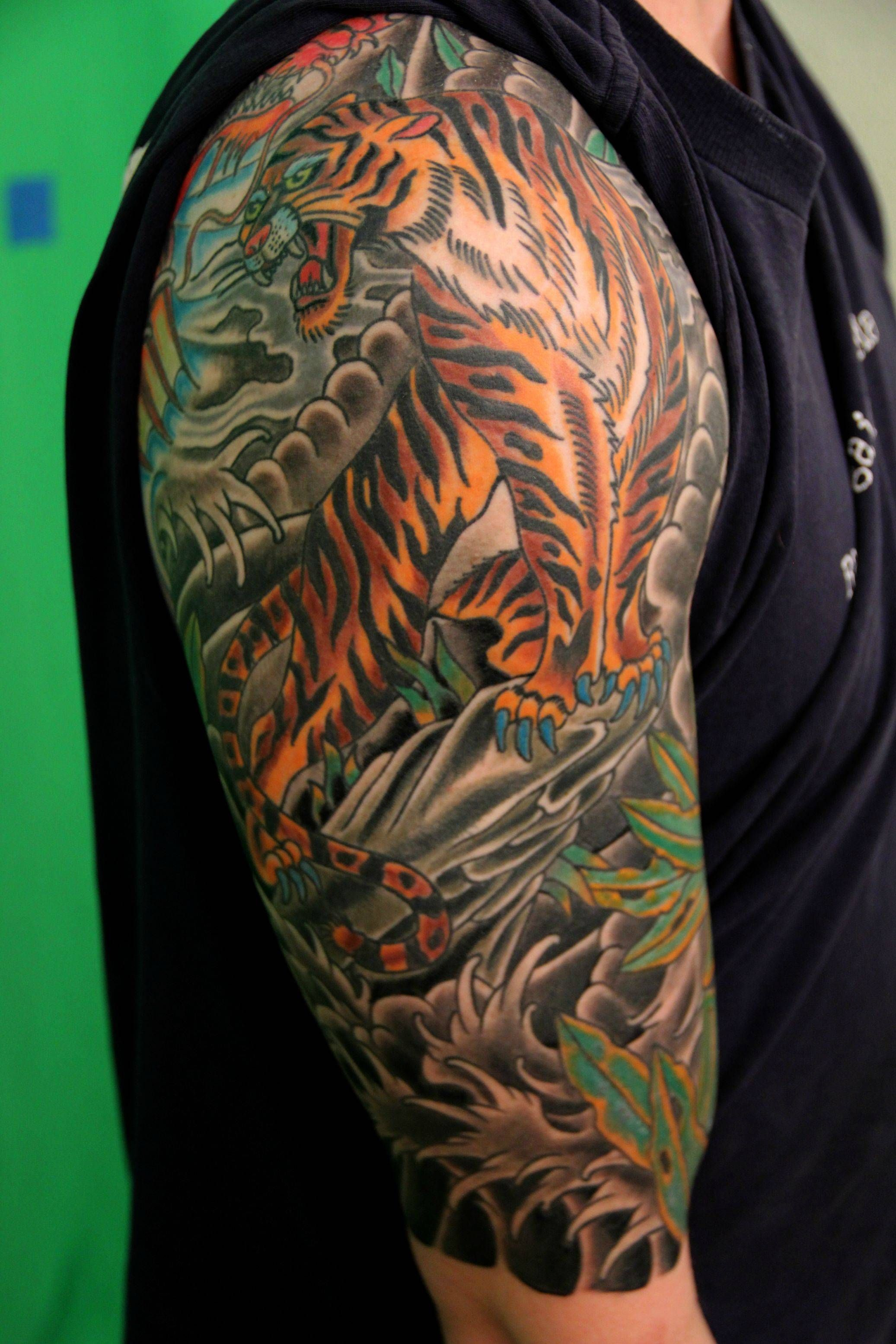 25 Half Sleeve Tattoos Design Ideas For Men And Women Japanese Tattoo Designs Quarter Sleeve Tattoos Tattoo Sleeve Designs