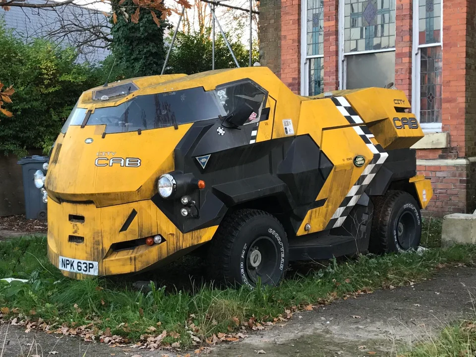 The Citycab From The 1995 Judge Dredd Film Still Exists And Is Parked In A Garden In Manchester England Manchester Film Stills Judge Dredd Best Funny Pictures