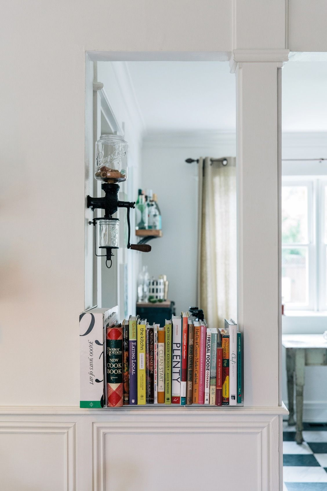 5 Smart Ways to Store Your Favorite Cookbooks | Cookbook storage ...