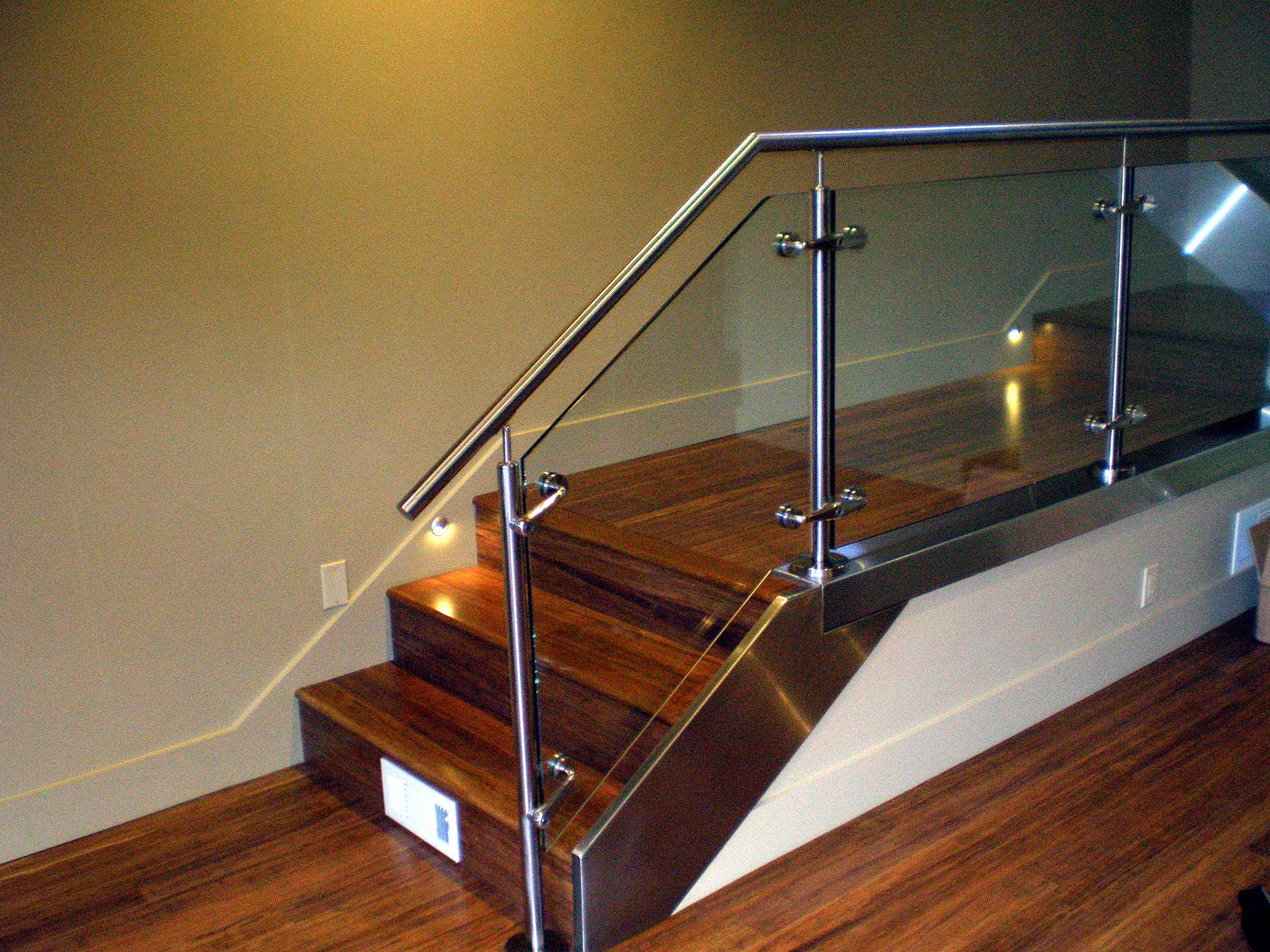Best Glass Balusters For Railings Custom Fabricated Stainless 400 x 300