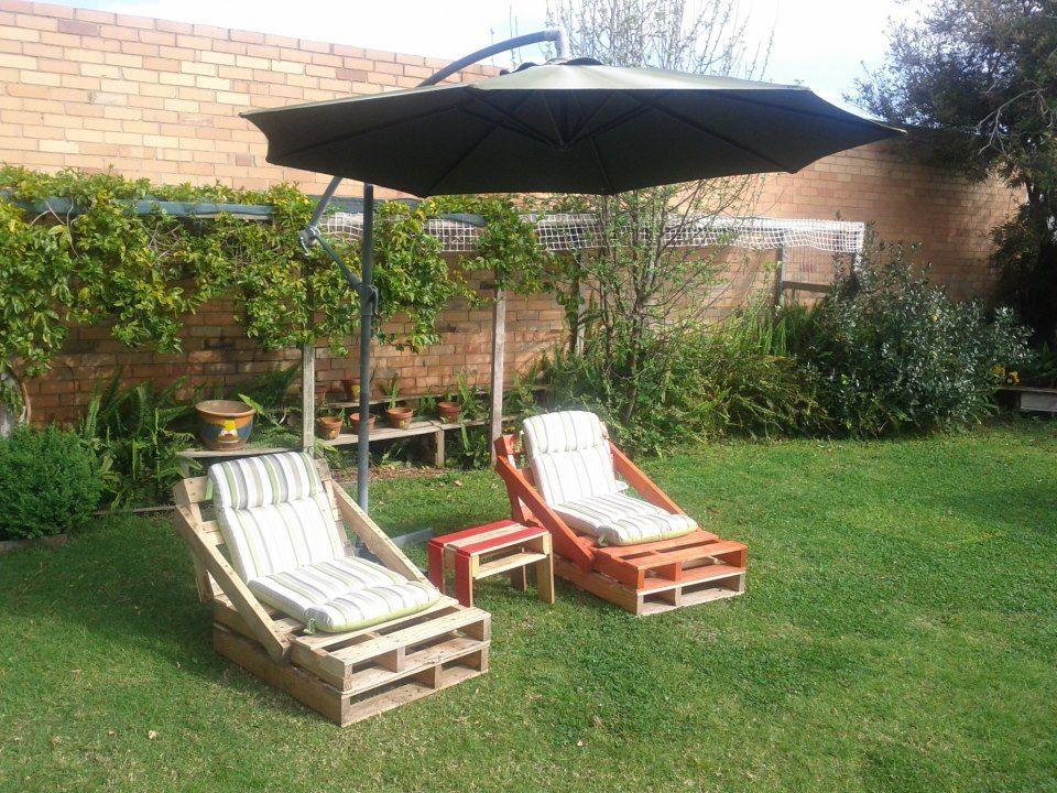 Jard n madera y serr n muebles de pal s muebles for Reciclado de palets sillones