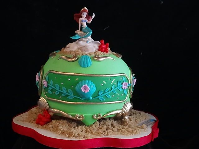 mermaid jewelry box disney themed cakes fancy cakes