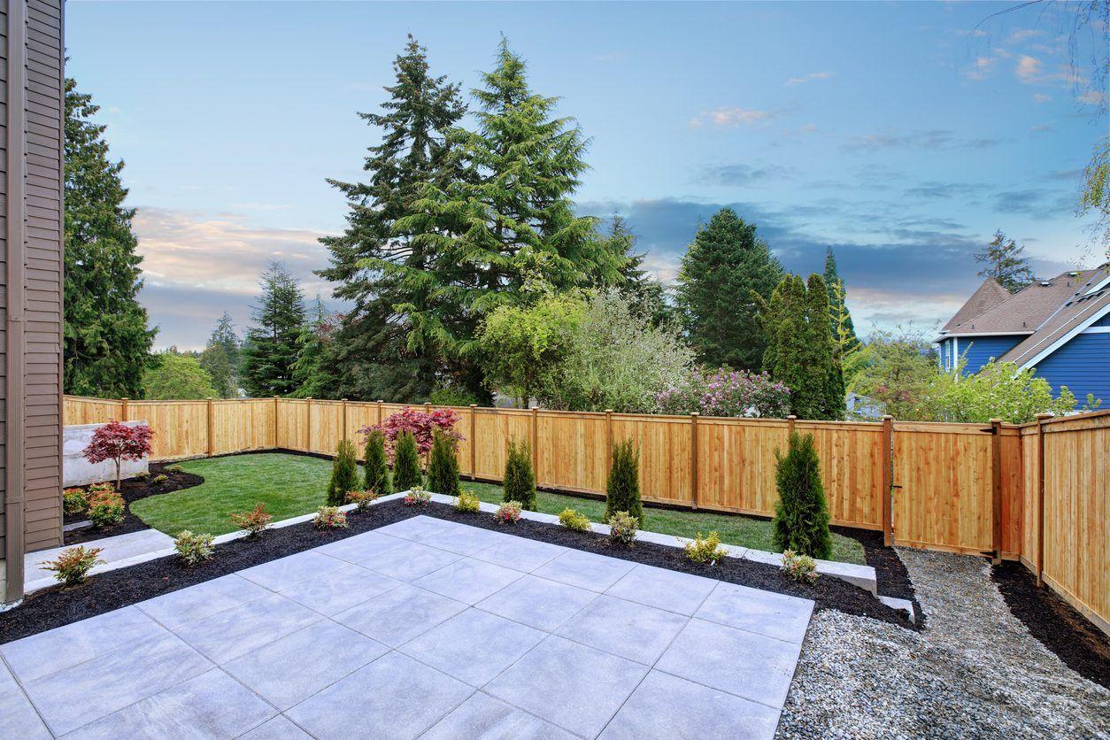 タイルデッキの施工にかかる費用 価格の相場は 裏庭のアイデア 庭 裏庭のデザイン