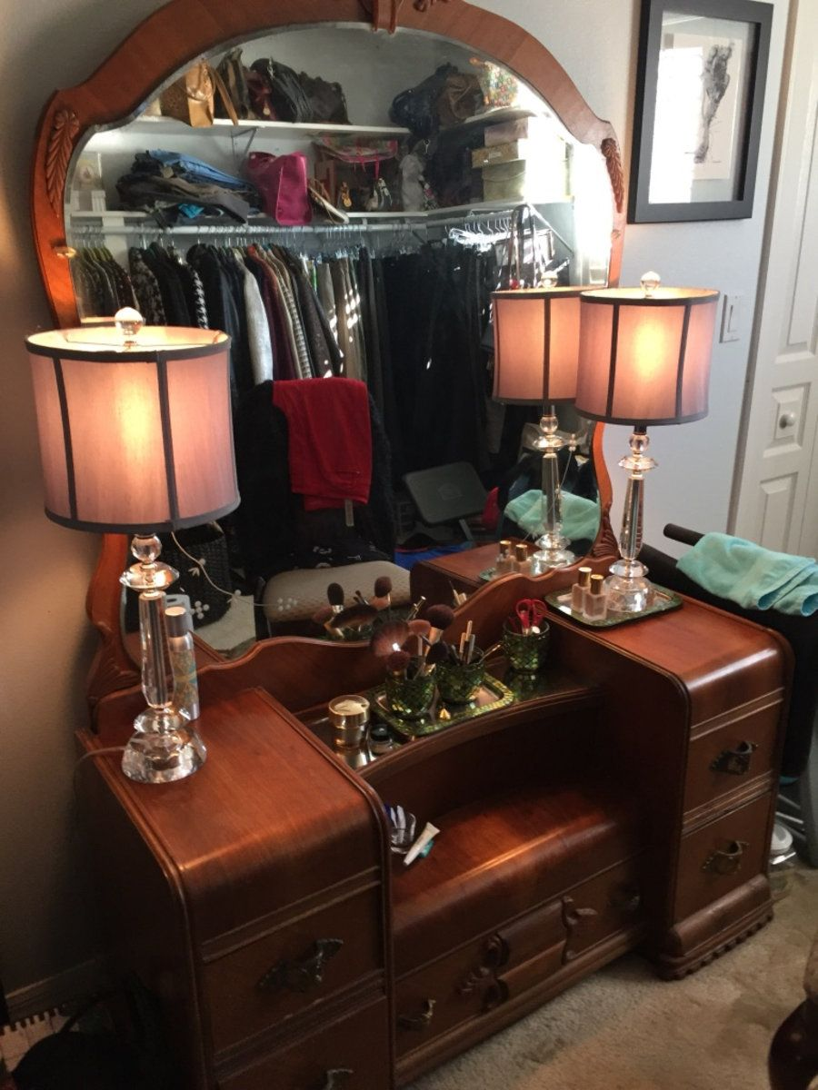 letgo Vintage Vanity/Dressing Table in Winter Garden, FL