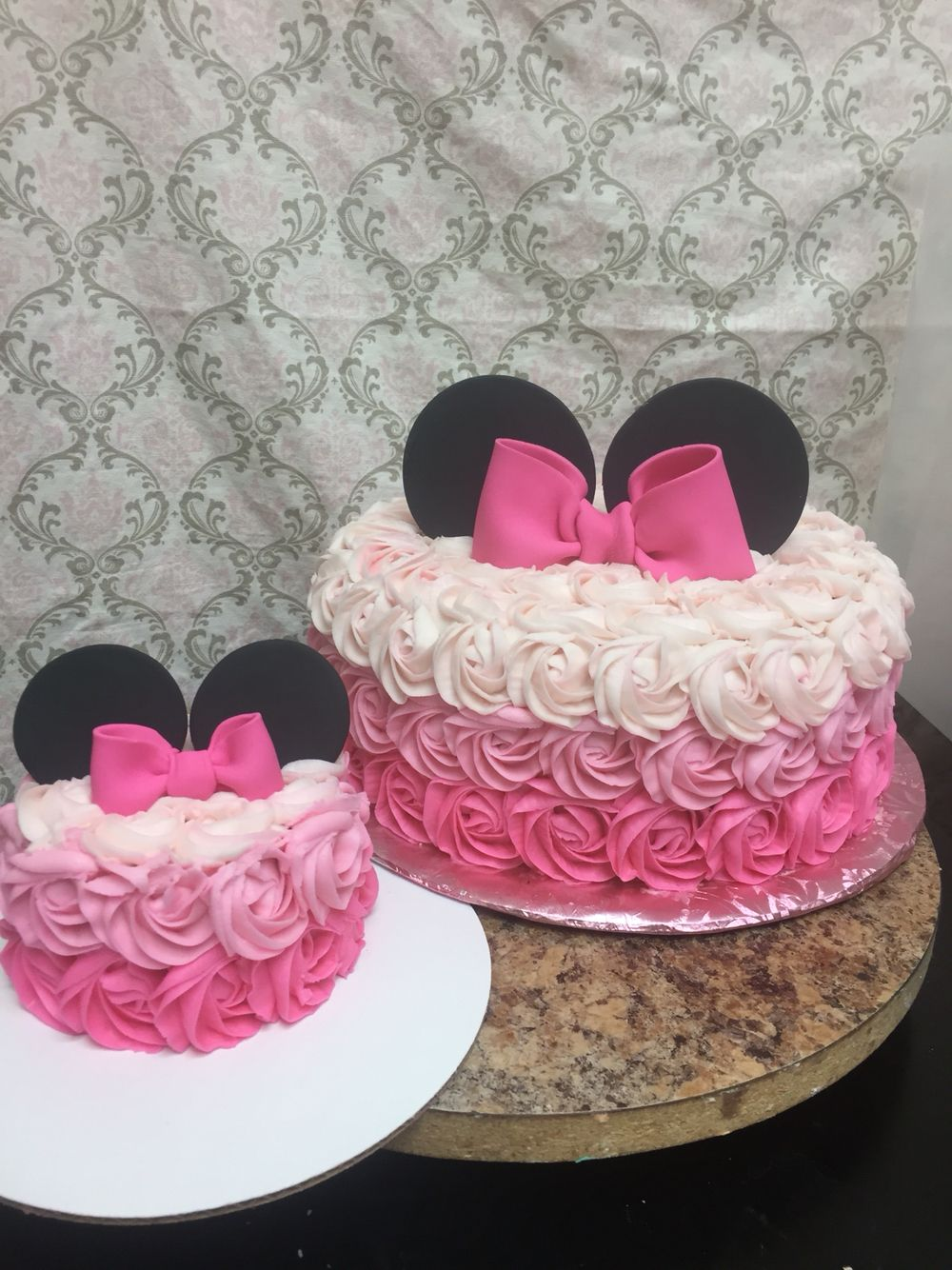 Minnie Mouse rosette cake Bs Sweets cakes Pinterest Rosettes