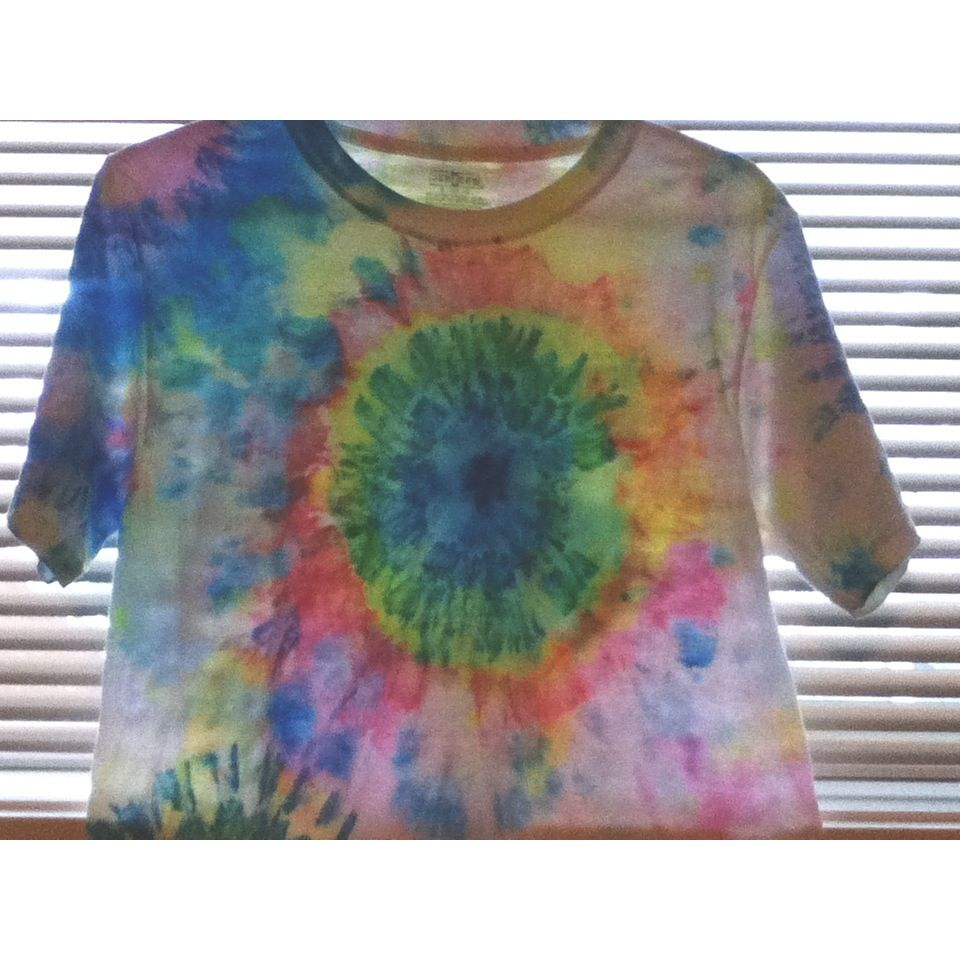 DIY tie dye sharpie tee shirts Sharpies. Nail polish remover/rubbing alcohol