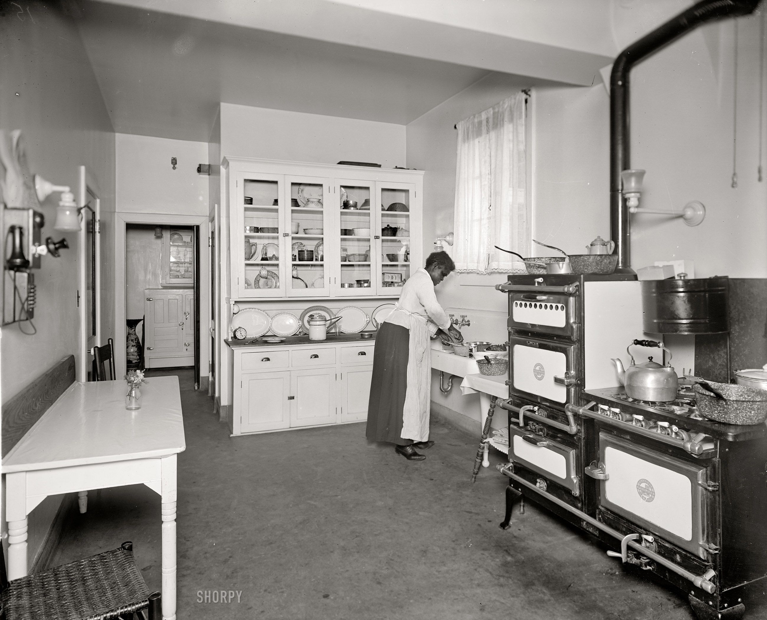 Shorpy Historical Photo Archive The Modern Kitchen 1920 Vintage Kitchen 1920s Kitchen Home