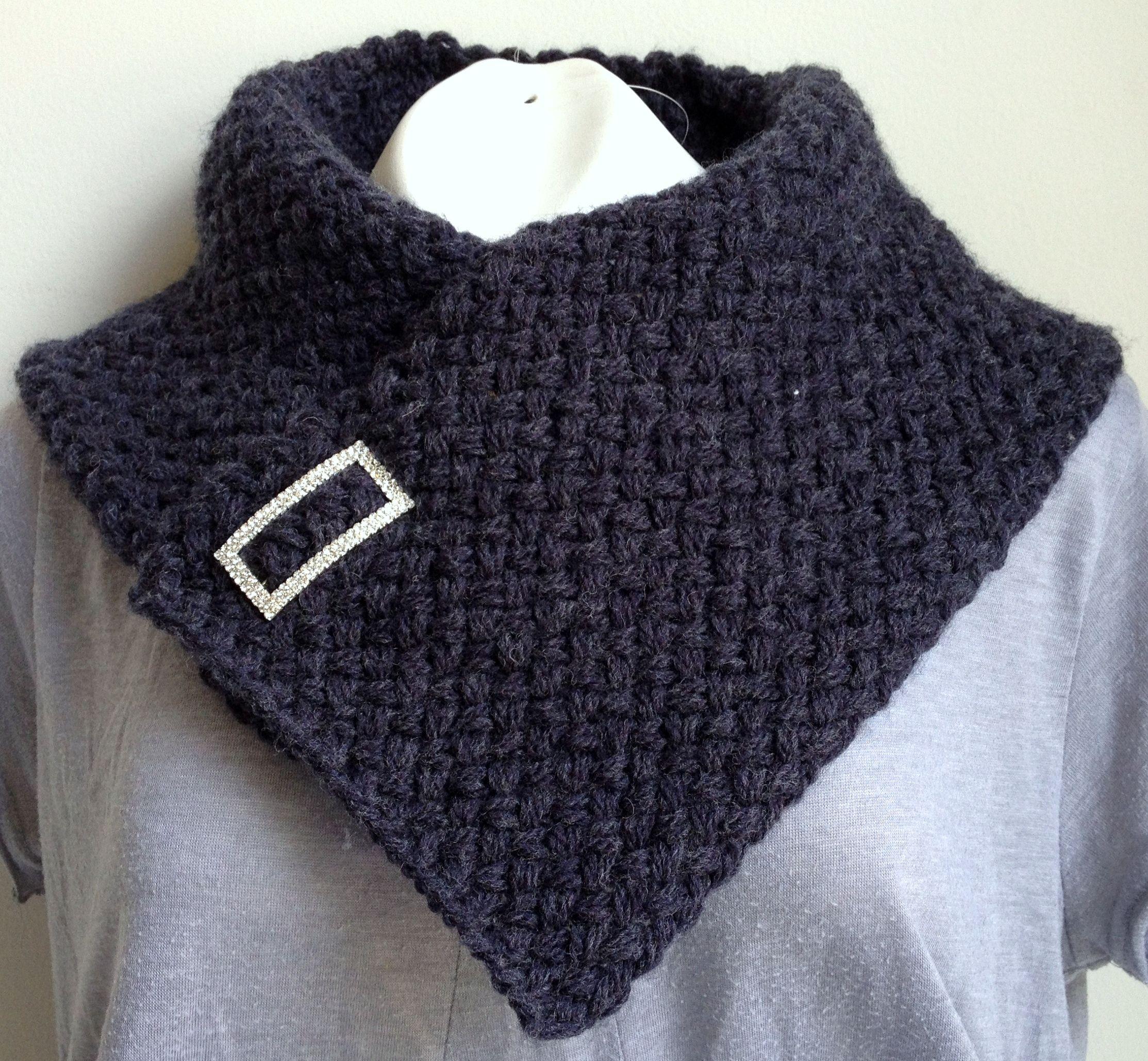 Neck Warmer - Cowl ask for a free pattern. Cuello tejido en dos ...