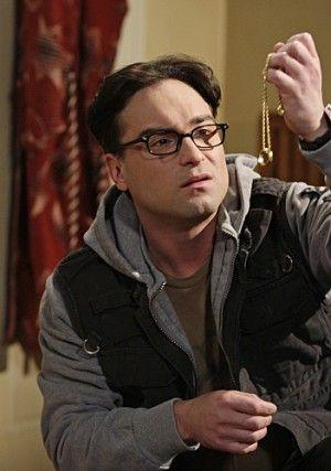 ドラマ「ビッグバン★セオリー」でオタクな大学生のレナード役をつとめるジョニー・ガレッキ。