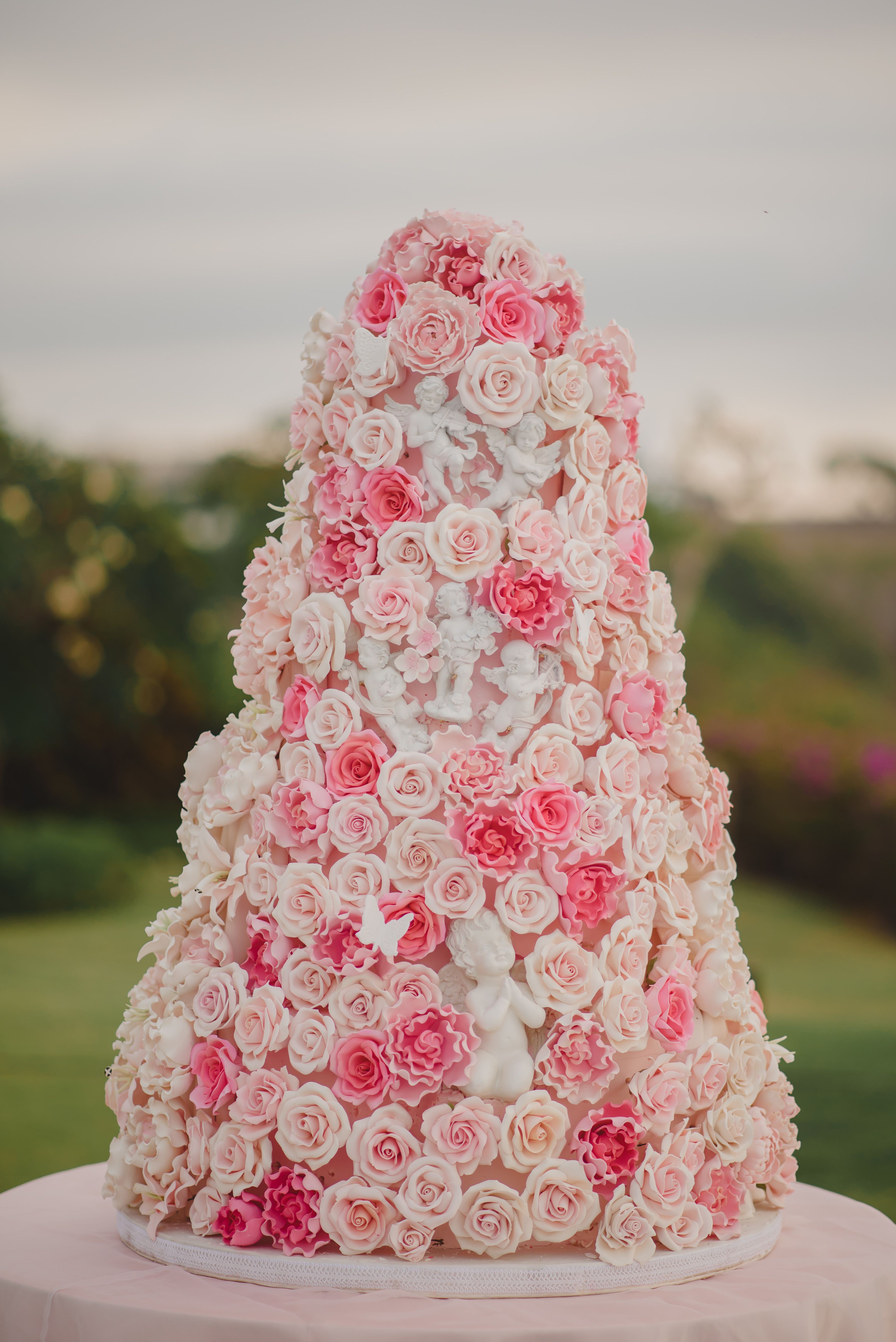 #weddingcakes #Terralogical