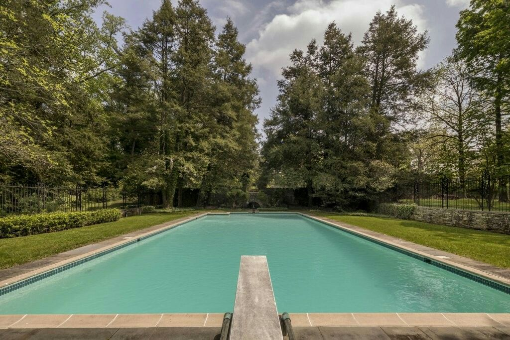 homes for sale in montgomery county md with inlaw suite