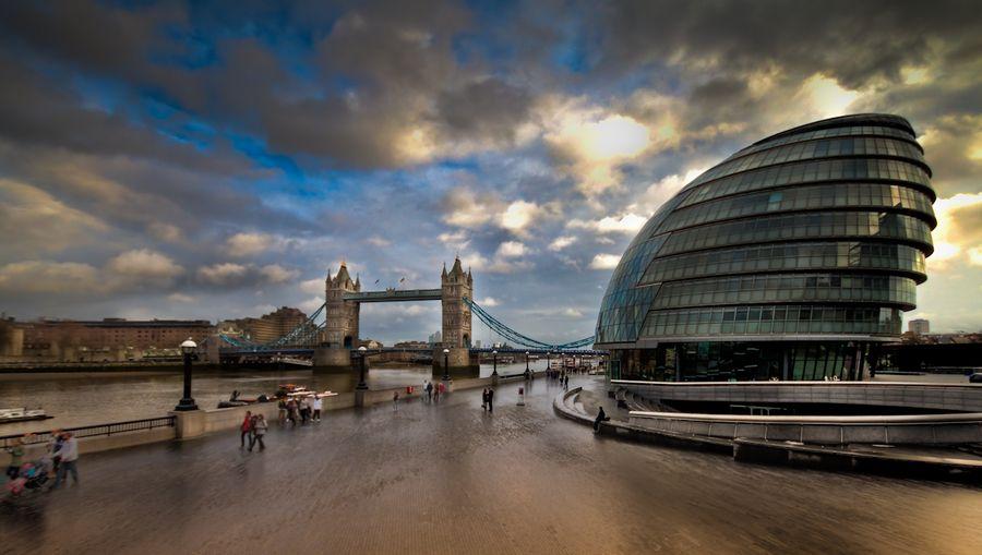 London City Hall and Tower Bridge