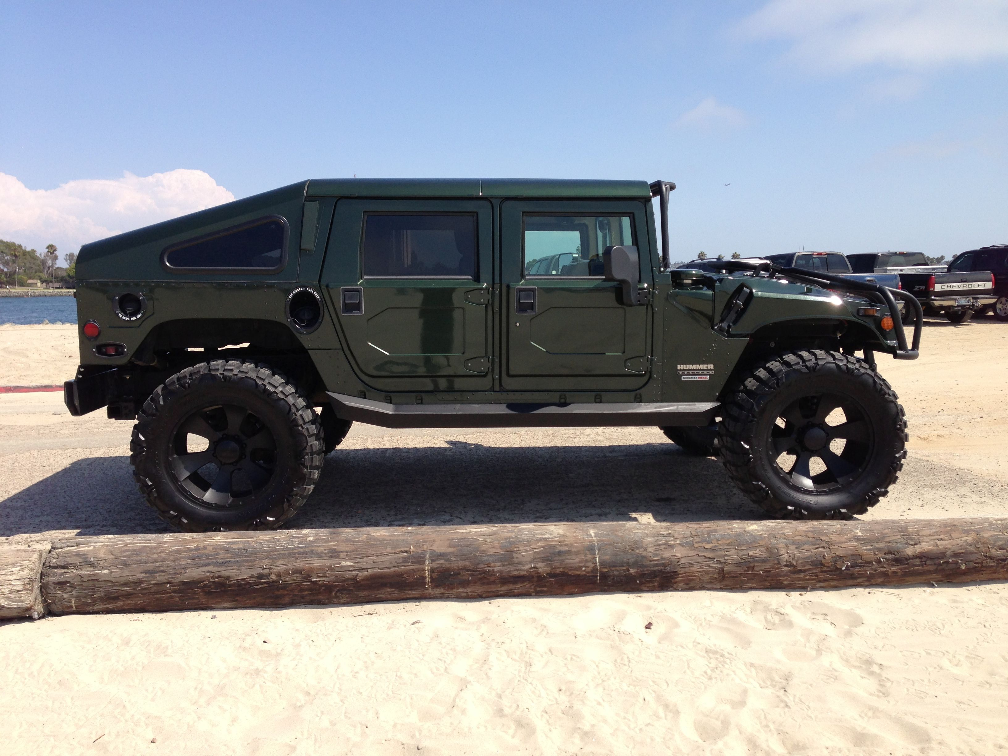Brutal Hummer H1. The colossal power of a car-military