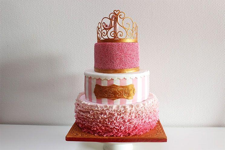 Prinzessinnen Torte Zum 1 Geburtstag Mit Erdbeer Buttercreme