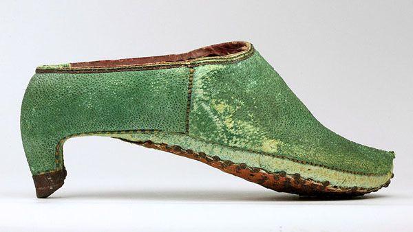 Persian, 17th century Men in High Heels   Hint Fashion Magazine