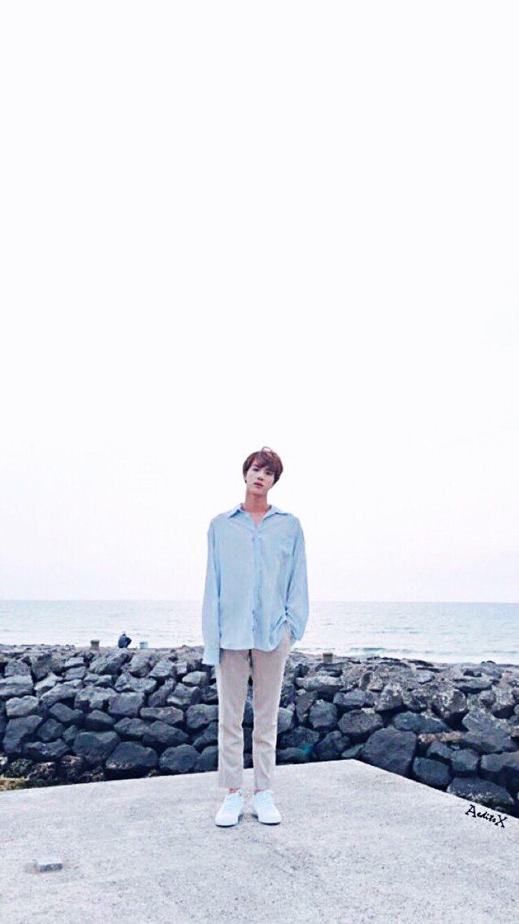 Jin Aesthetic Jin Wallpaper Light Blue Aesthetic Bts Jin Seokjin