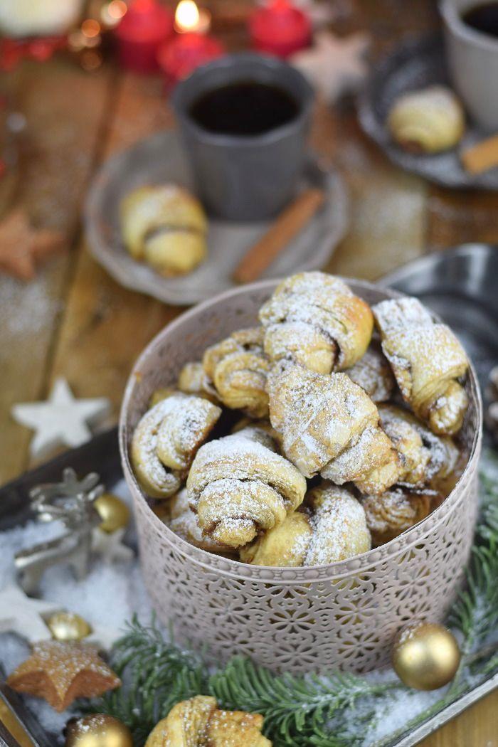 Mandel-Zimt-Hörnchen (und weitere weihnachtliche Leckereien - Almond Cinnamon Rolls | Das Knusperstübchen
