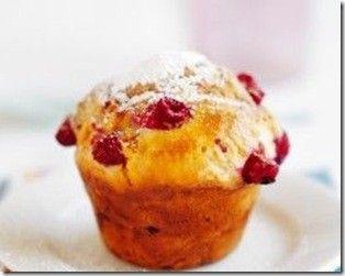 Là c' est ma semaine muffins et vu que j' ai trouvé de très belle framboise au marché j' ai voulu tenter l' expérience en les mettant dans les muffins! Résultat impeccable, jolie et bon a manger non à dévorer plutôt allez une vu de dessus! Pour 12 muffins:...