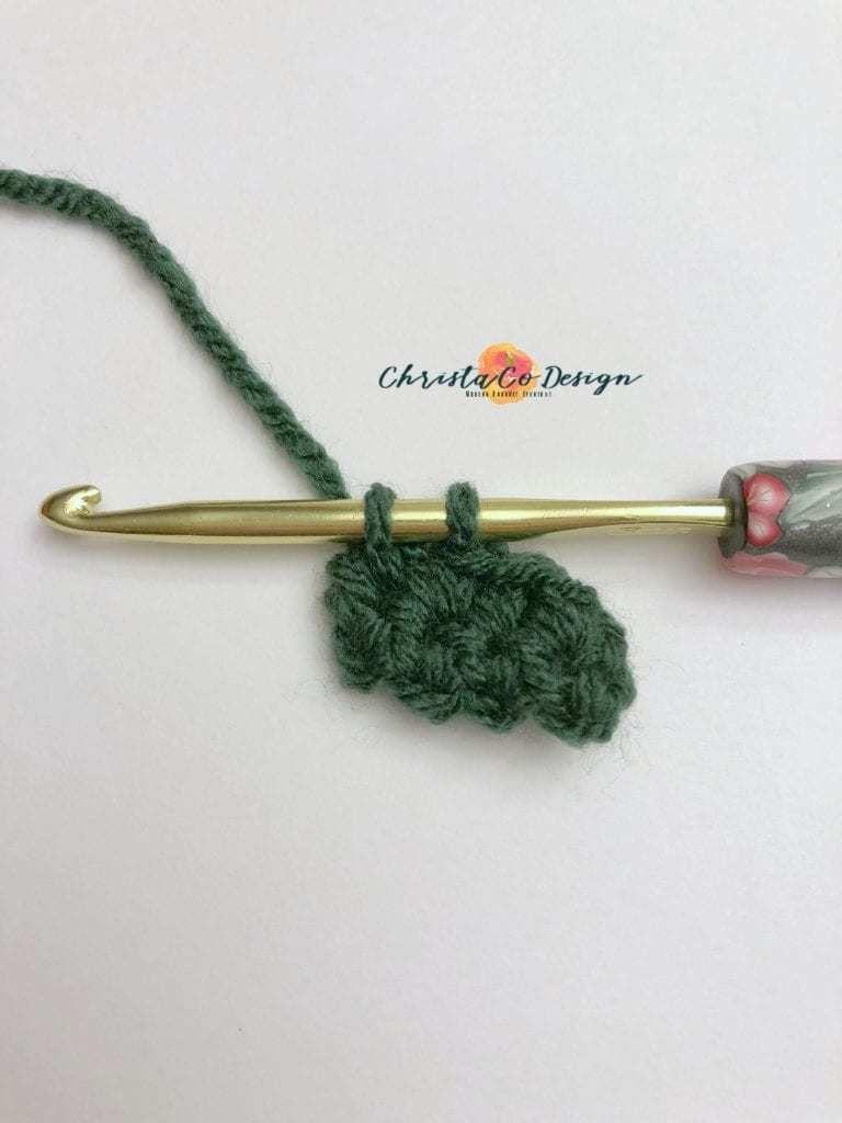 Crochet Christmas Light Applique Free Pattern & Photo Tutorial