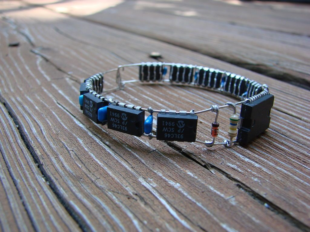 electron bracelet electronic bracelet electronics be cool and upcycle 7312