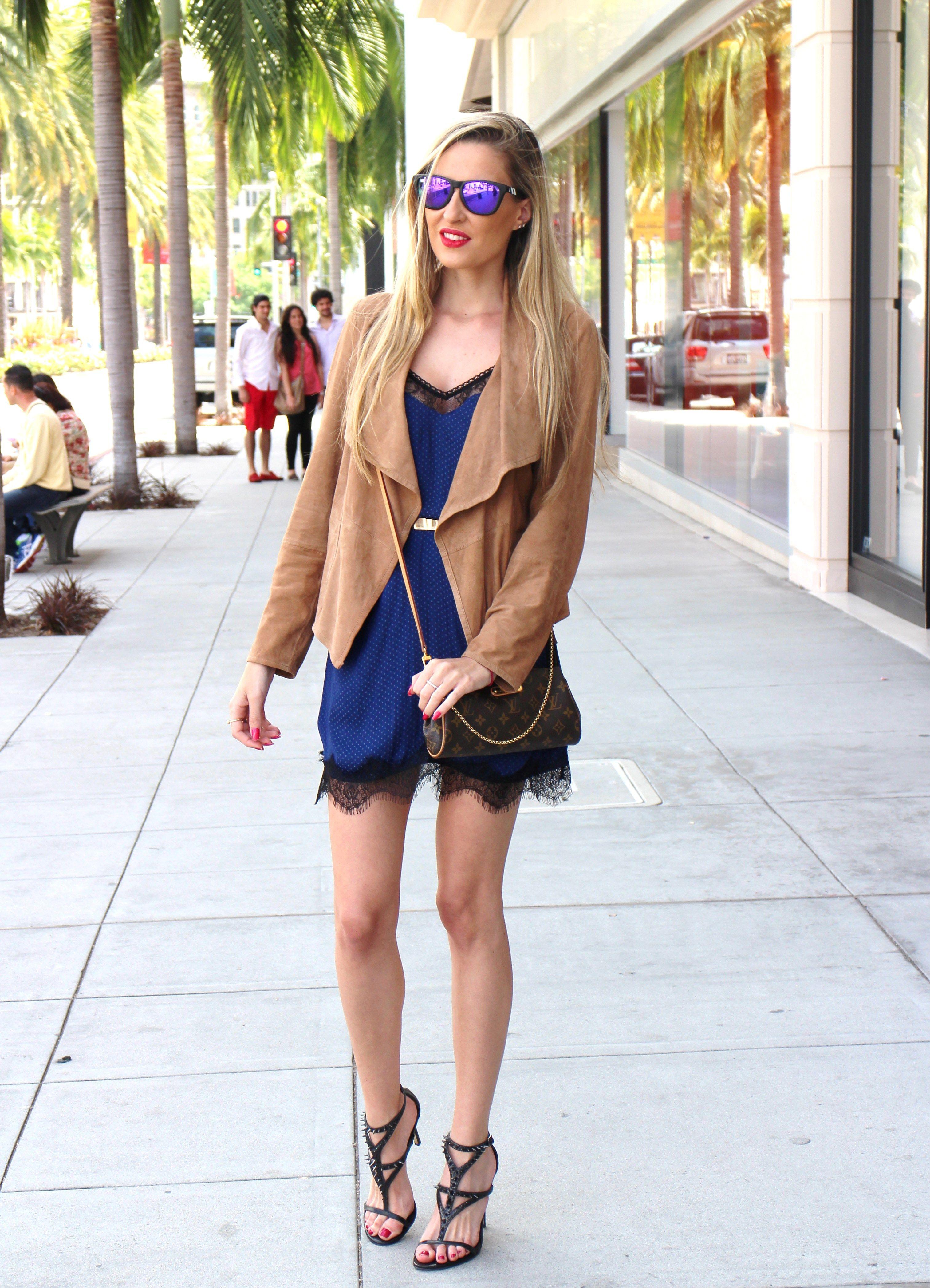 Rodeo Drive 16-4-2014  Dress: Stradivarius / Sandals: Guess / Belt: Asos / Sunnies: Blenders / Bag: Louis Vuitton / Jacket: Mago