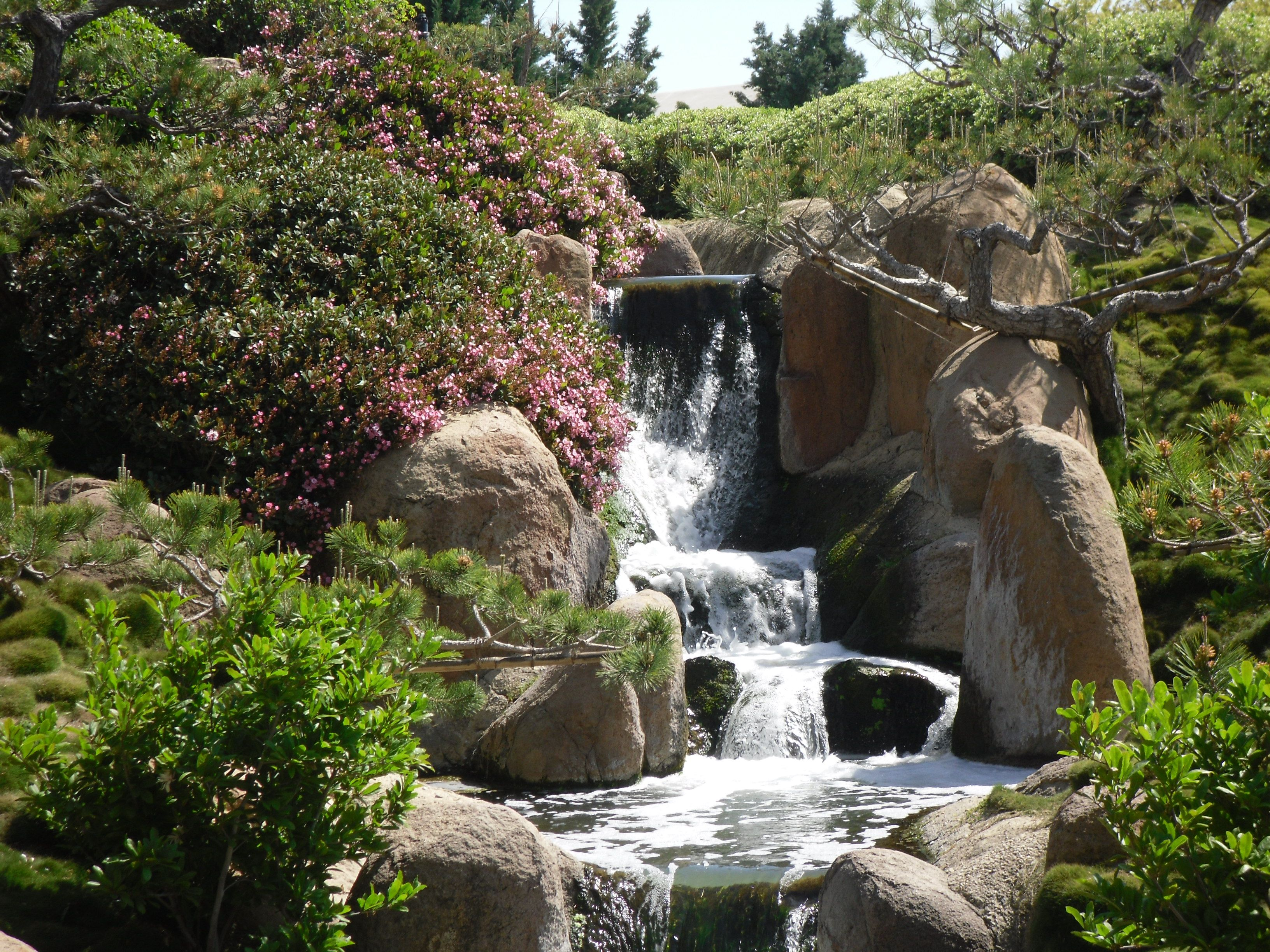 The garden is a relaxing and peaceful place to visit, you should give it a  try if you can. Waterfall from the Van Nuys Japanese Garden