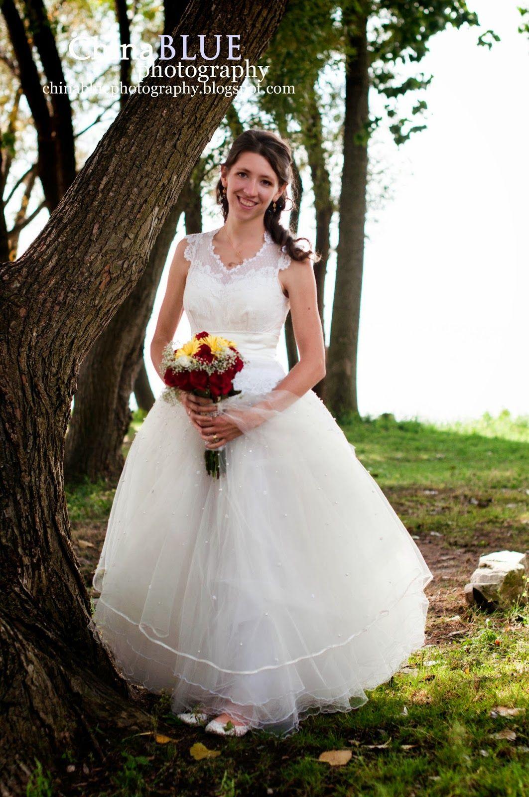Darling Lace Vintage Wedding Dress