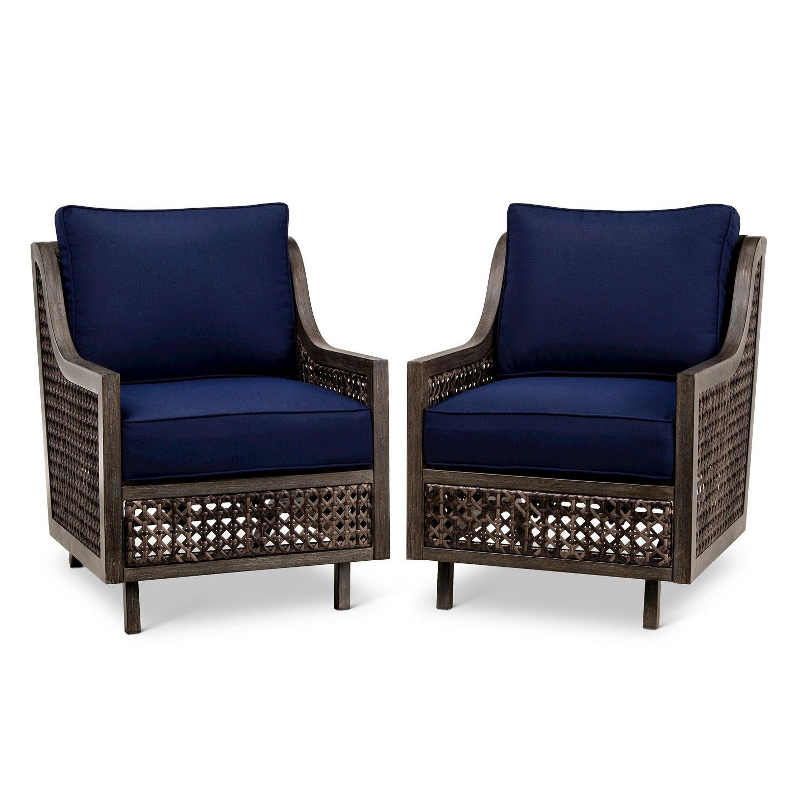 Wicker with intricate pattern • Weather resistant cushions