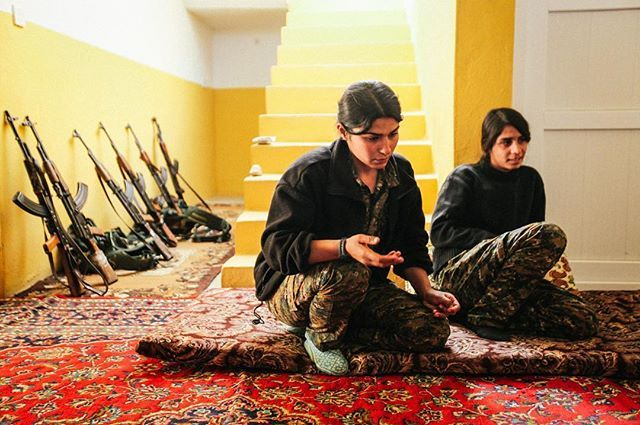 by lea_mandana: A young #Kurdish girl is explaining why she joined the #PKK in #Sinjar. Slava (right) is a #Yazidi of 19 years old from Diyarbakir, Turkey. Iraq - November 24, 2015.