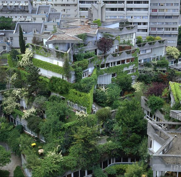 A Crisis of Enclosure : Le Liégat, Atelier 4