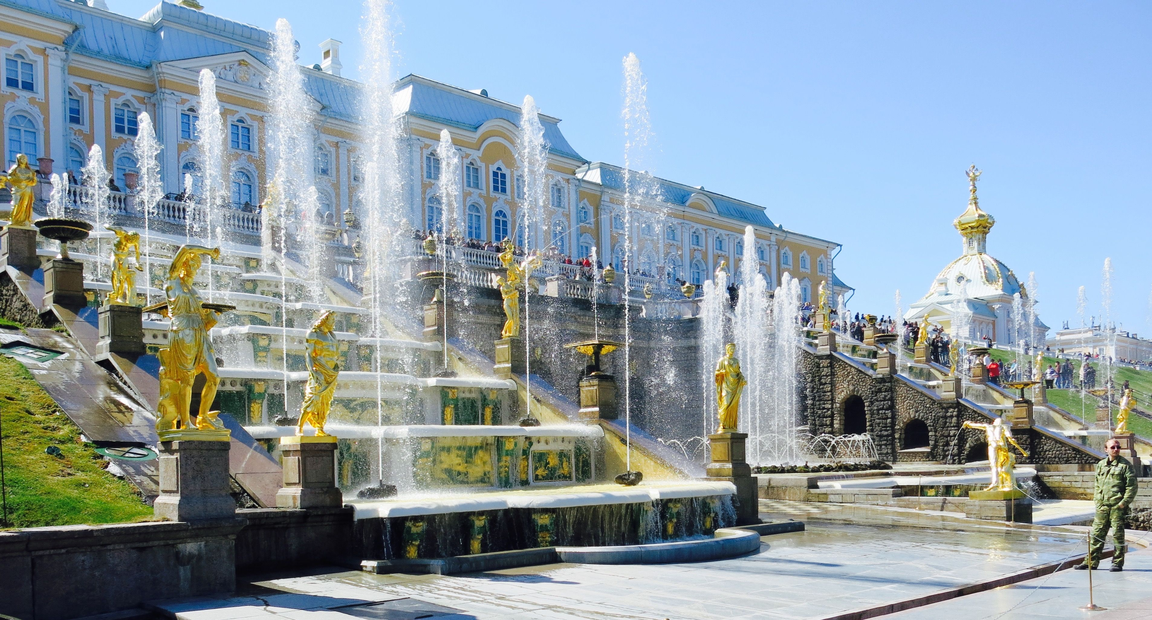 Peterhof Sint Petersburg, het zomerverblijf van tsaar Peter de Grote