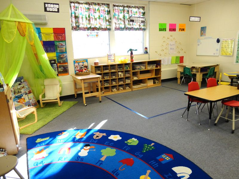 Pre-Kindergarten room at the learning express preschool.. Love the ...