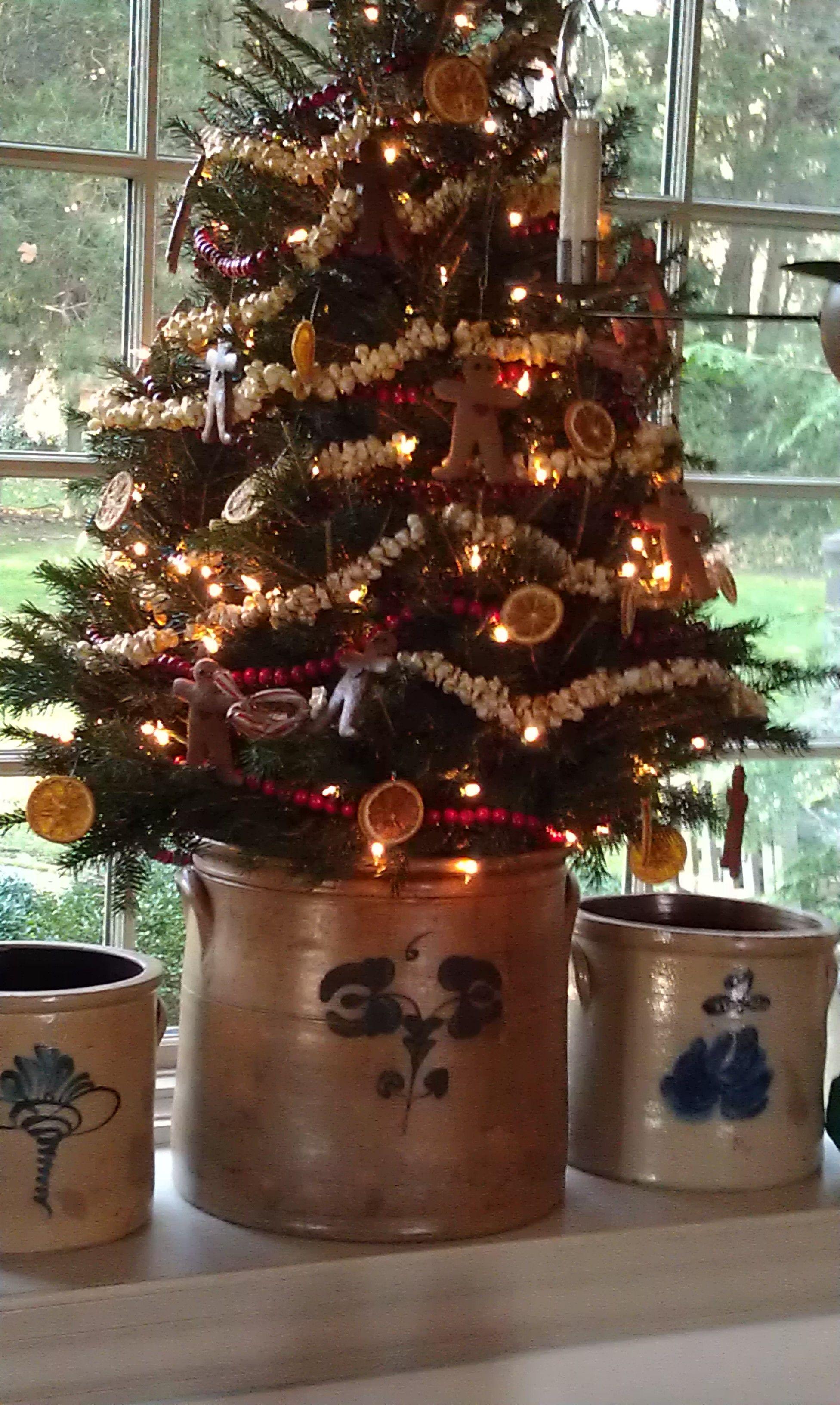 Colonial Primitive Home Tours Share Primitive Christmas Tree Primitive Country Christmas Primitive Christmas Decorating