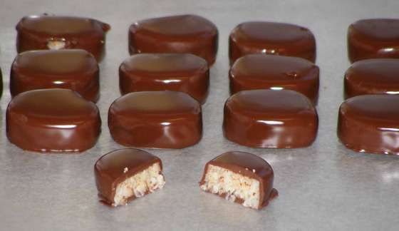"Homemade ""Mounds"" Candies  my favorite when I was a kid...."