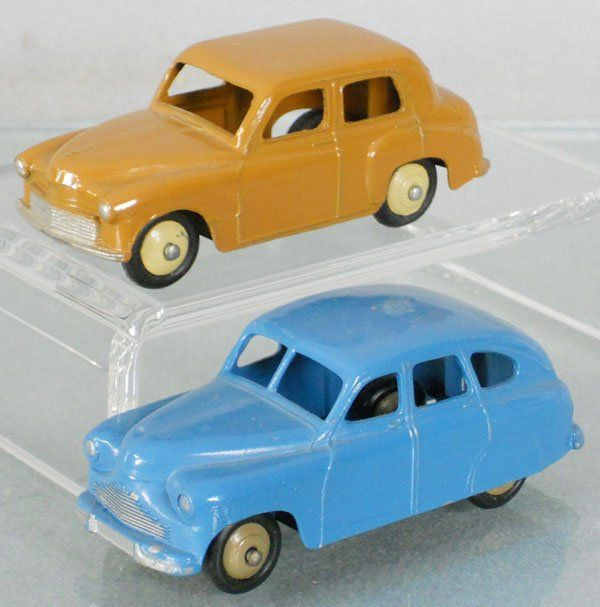 2 DINKY VEHICLES : 153 Standard Vanguard, 154 Hillman Minx