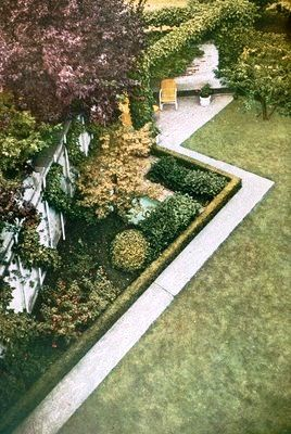 Mowing strip as abstraction and pathway to sitting area; a garden to be seen from above as well as entered: Jerd Sullivan garden, San Francisco, 1935 by Thomas Church