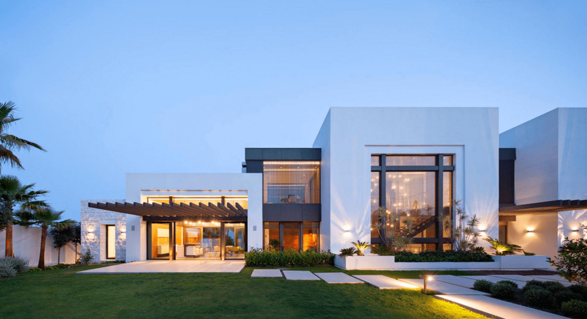 10 White Exterior Ideas For A Bright Modern Home Beach House
