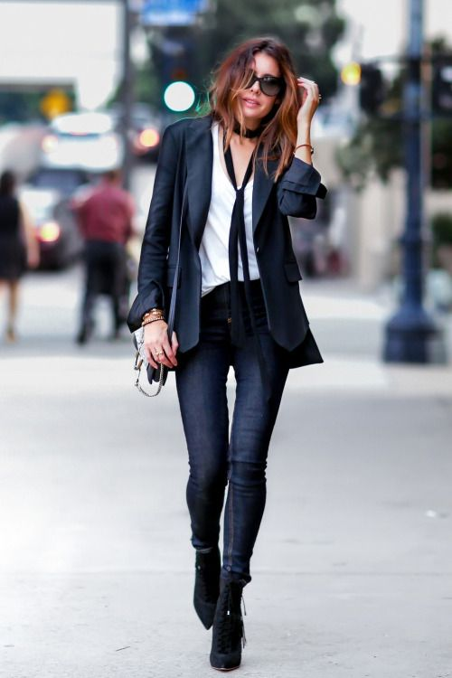 Total tomboy with this black blazer, white shirt, and skinny black tie combination.