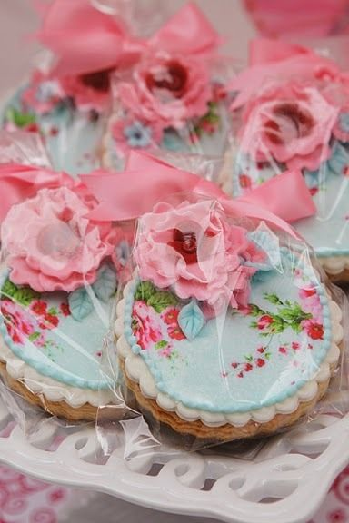 ❥ Shabby Chic Cookie Favors for tea party