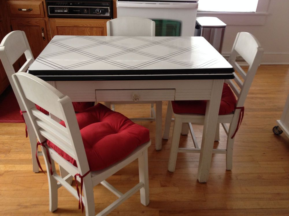 vintage enamel top table chairs pick ct oak kitchen 4 round white wooden and pub sets