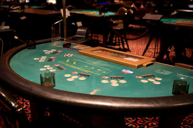 Baumann poker hot seat
