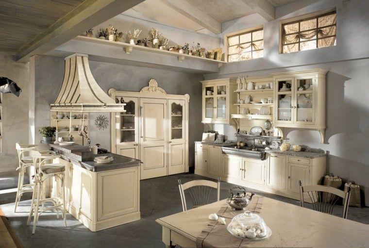 despensa grande en esta cocina al estilo rústico