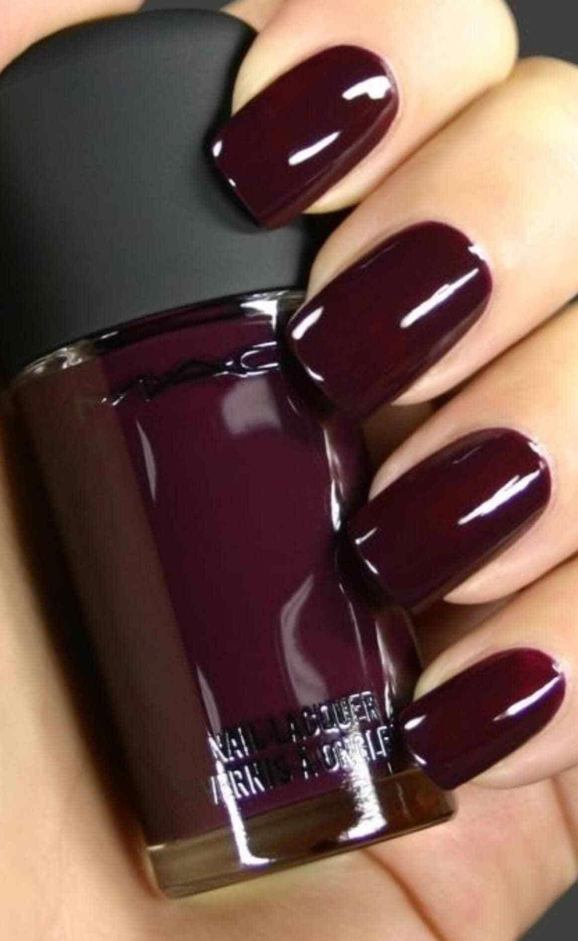25 Gorgeous Nail Designsto Spice Up Your Winter 2019 Style2 T