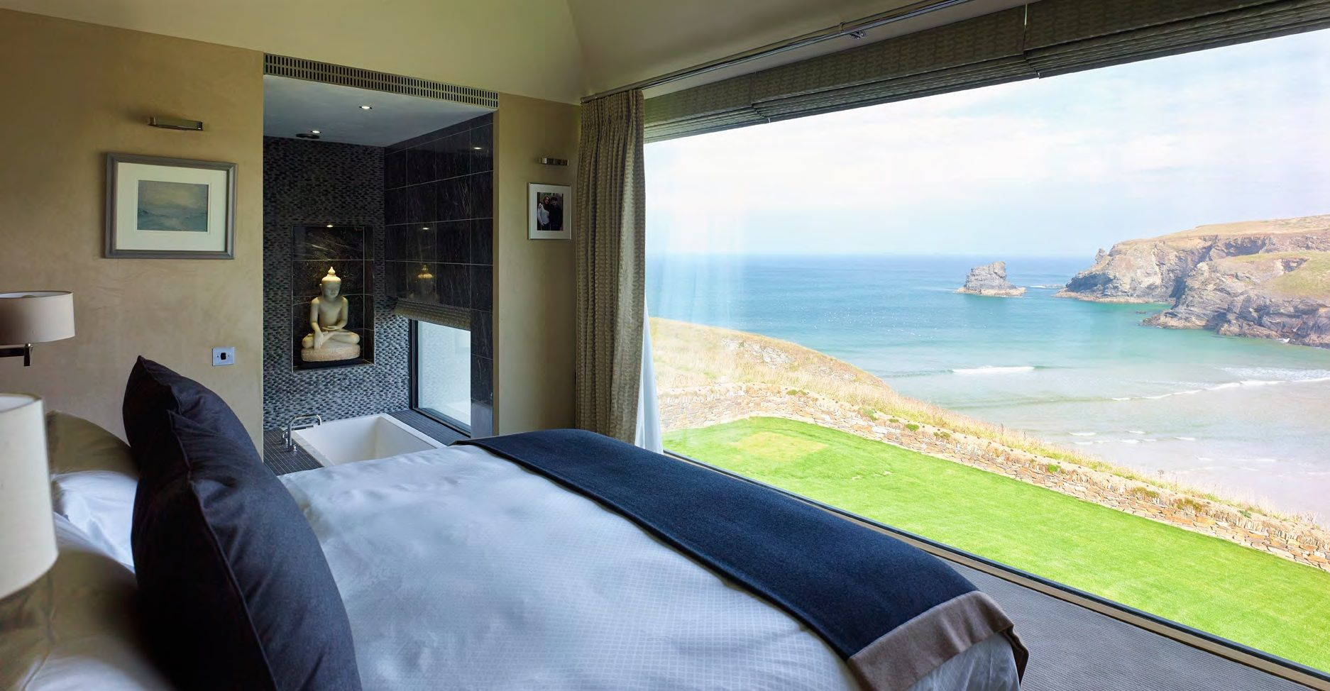 Large frameless picture frame structural glass window in a bedroom large frameless picture frame structural glass window in a bedroom with a stunning coastal view jeuxipadfo Image collections