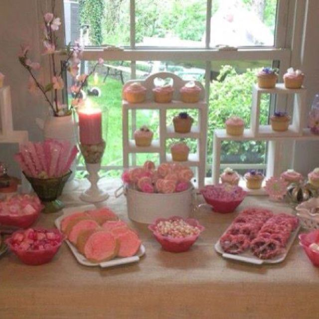Pink desert table