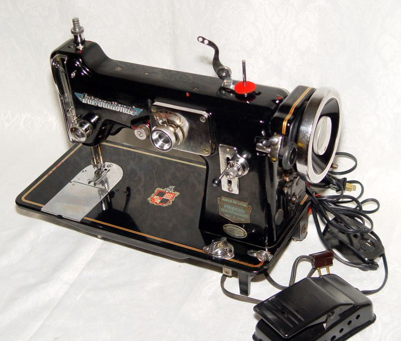 deluxe sewing machine