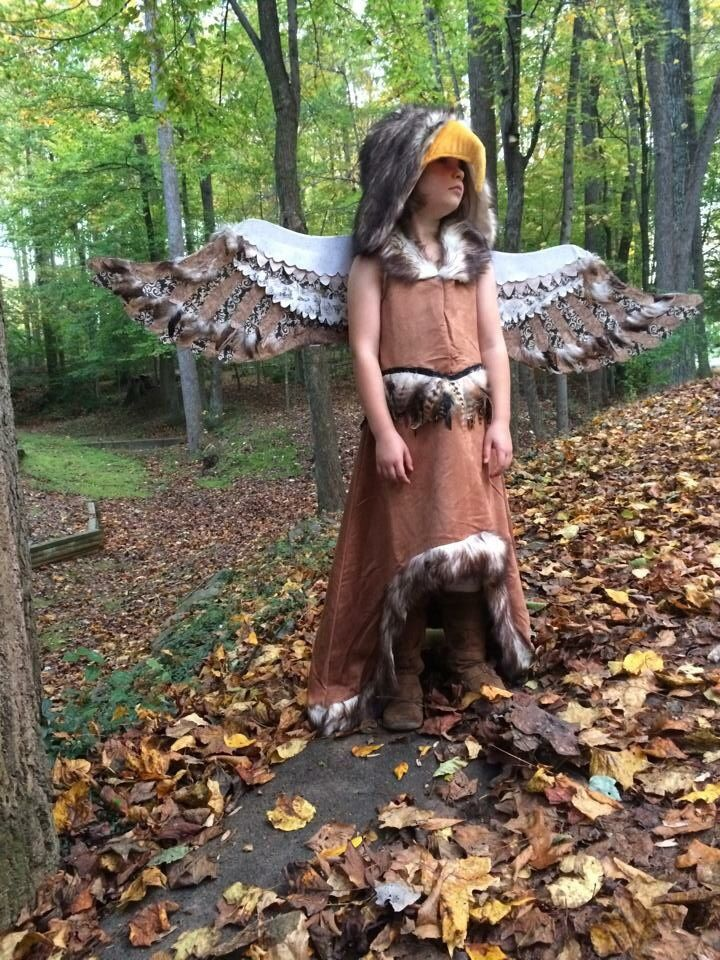 Diy regal eagle costume wings scrapbook paper and feathers on diy regal eagle costume wings scrapbook paper and feathers on cardboard feather detail added glued to dress solutioingenieria Image collections